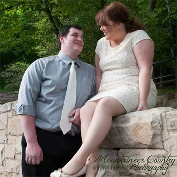 littlemrshayes_engagment_photo
