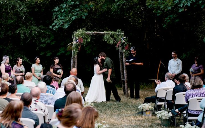 Earthy Outdoor Oregon Wedding