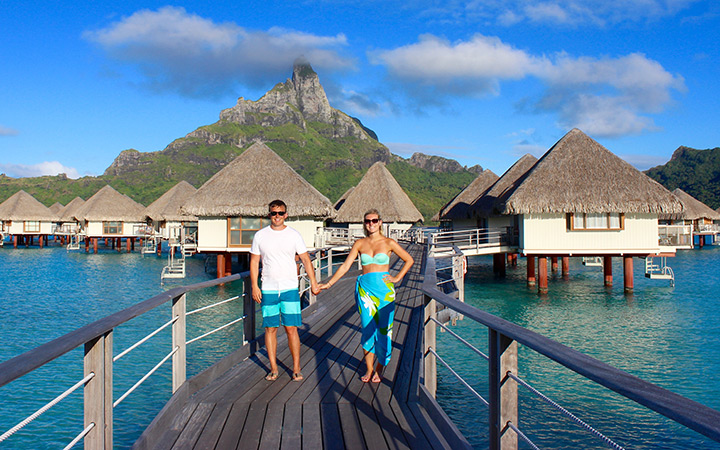 French Polynesia Honeymoon: Britney + Dan