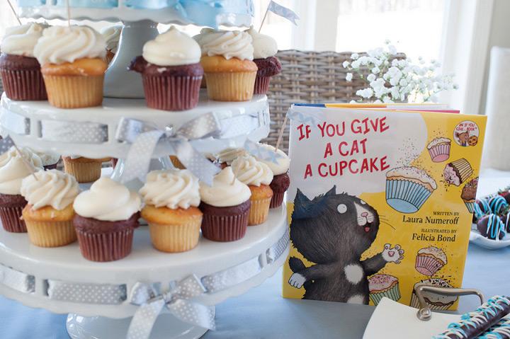 """If you Give a Cat a Cupcake"" Cupcake display"