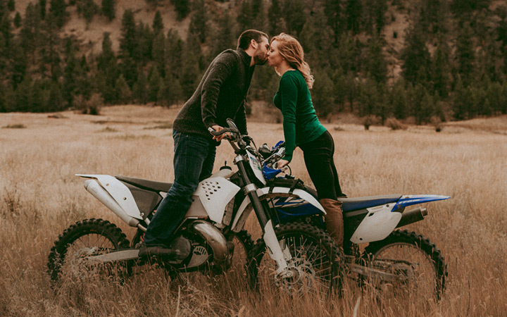 dirt-bike-engagement-session-featured