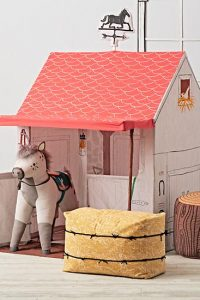 horse-stable-playhouse