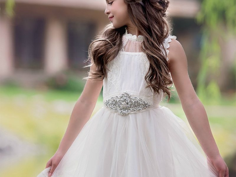 10 Flower Girl Dresses to Look Out For in 2017